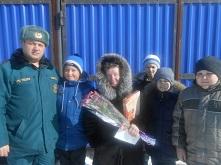 «Сообщает служба 01» Ветеранов педагогического труда поздравили с 8 Марта!