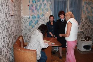 В Усть-Илимске полицейские проверили самый отдаленный в районе поселок на соблюдение подростками комендантского часа
