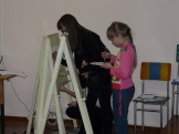 Первоклассники-художники учебного корпуса п.Железнодорожный выполняют творческие задания