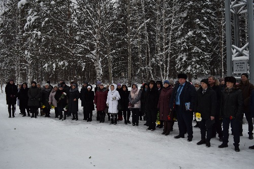 Митинг, посвящённый памяти русских солдат, погибших в Чечне.