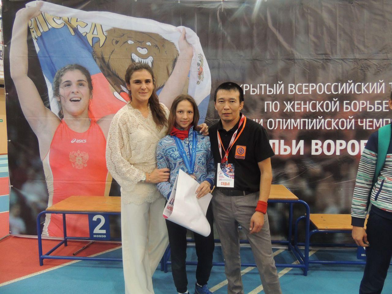 Бронзовую медаль всероссийского турнира по женской вольной борьбе завоевала воспитанница Качугской детско – юношеской спортивной школы