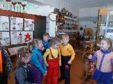 Экскурсия в музейной комнате - Подъеланская б-ка
