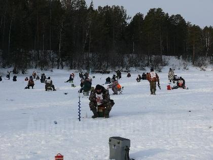 Соревнования по подледному лову