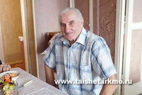 Герой Социалистического Труда Виктор Лакомов отмечает 80-летний юбилей
