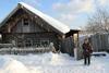 Одинокую пенсионерку из Тахтамая планируют устроить в социальное учреждение