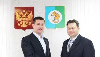 Депутат Государственной Думы Андрей Чернышёв поздравил мэра Усть-Илимского района с Днем рождения.