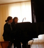 Кузнецова Э.С. советует обучающейся МОУДОД РДШИ  Дякиной Дарьи поступать в Братское музыкальное училище