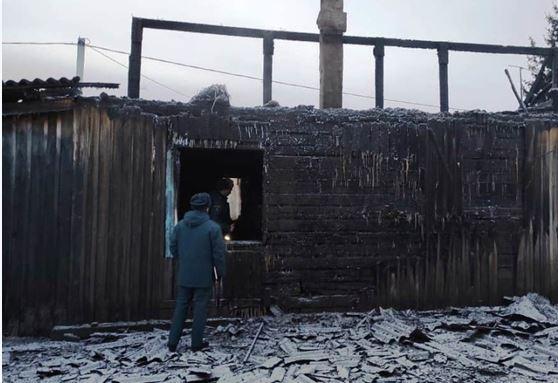 в Тулунском районе прошлой ночью женщина 29 лет и двое детей - 1 и 3 года погибли на пожаре