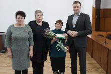 Вручили удостоверения «Ветеран труда Иркутской области»