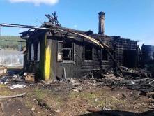 Семья из 3 человек пострадала при пожаре в Шелеховском районе 7.05