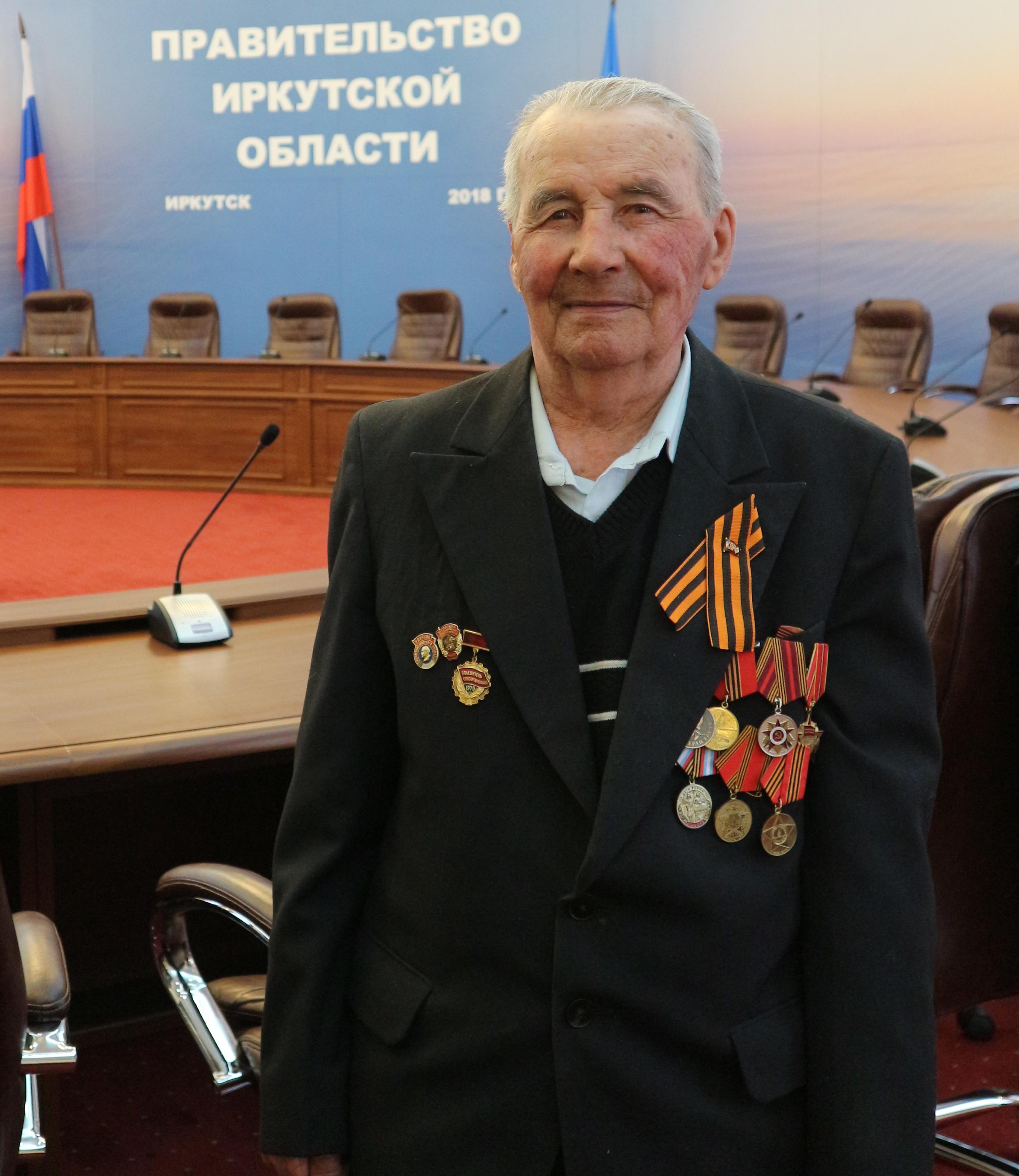 Губернатор Приангарья Сергей Левченко провел  приём ветеранов ВОВ в честь Дня Победы