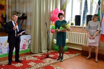 Последний звонок прозвенел для 457 одиннадцатиклассников и 860 девятиклассников Тайшетского района