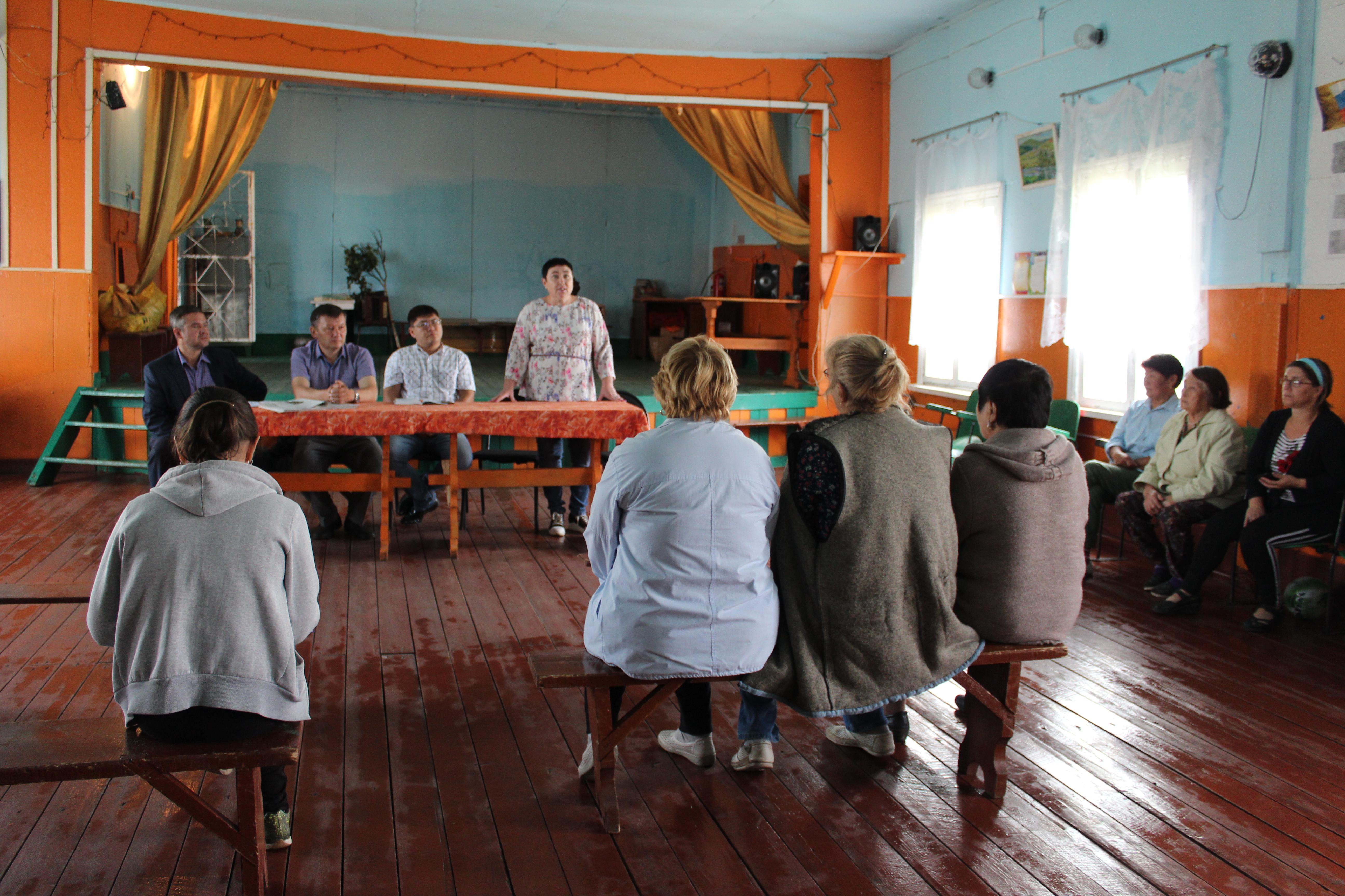 23 августа мэр района Татьяна Кириллова побывала с рабочим визитом в д. Литвиново и с. Харбатово Качугского