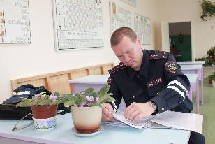 В Усть-Илимском районе полицейские проверяют образовательные учреждения в преддверии нового учебного года