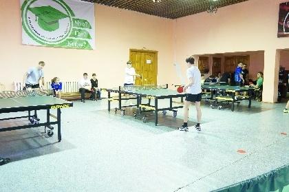 Прошли соревнования по настольному теннису
