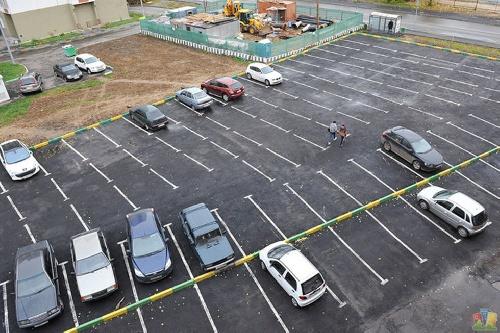 Где планируются парковки?