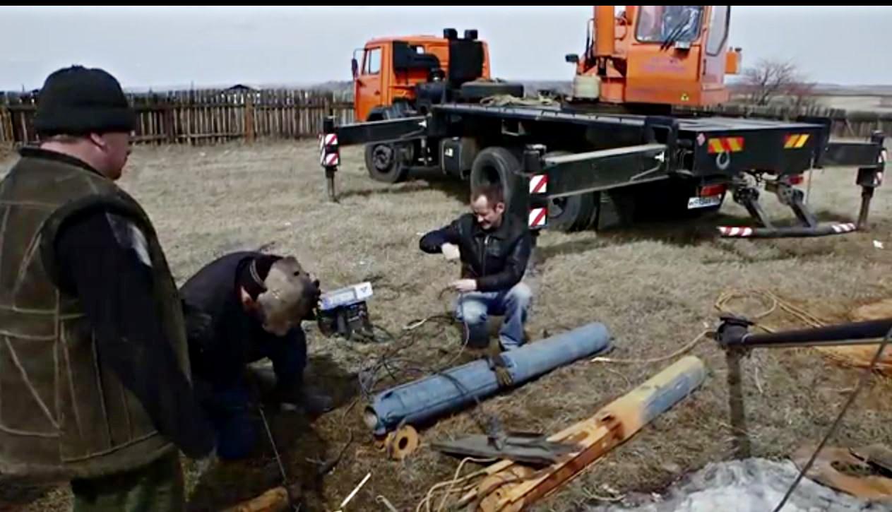 18.04.2016 Новый насос для водонапорной башни установили в Новогромово.