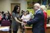 Мэр вручил благодарности за участие в выставке