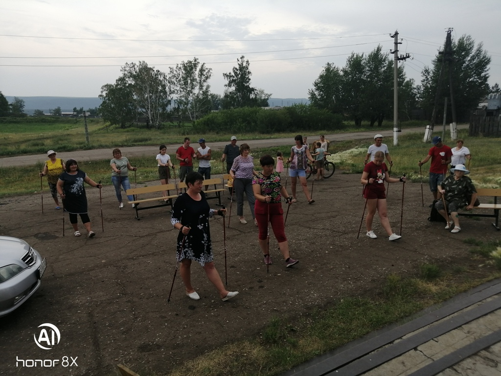 В Рысево, Каменно-Ангарске и Тальниках прошли мастер-классы по технике скандинавской ходьбы