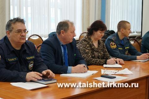 На заседании КЧС обсудили подготовку к предстоящему паводку