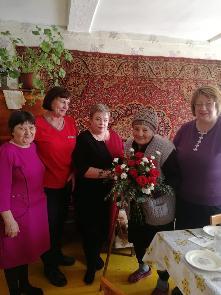 22 марта отметила свое 90-летие жительница поселка Карымск Савина Анна Макаровна
