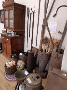 3 фото 1 зал  фрагмент экспозиции Сельскохозяйственные орудия труда и кухонная утварь