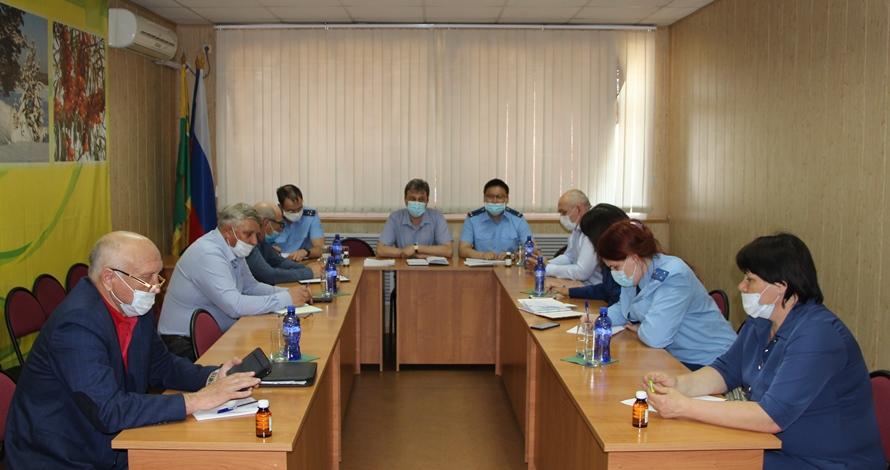 Представители областной прокуратуры работают в районе по вопросам ликвидации последствий паводка