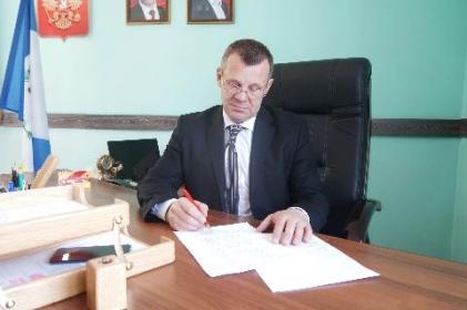 Мэр Тайшетского района А.В. Величко принимает поздравления