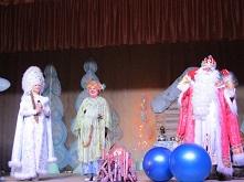 В селе Каразей состоялось новогоднее представление для детей.