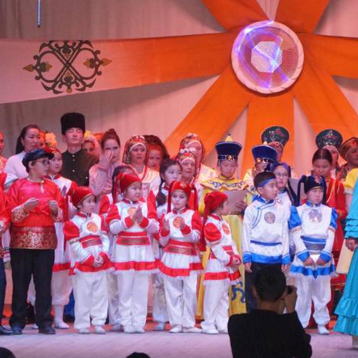 За сохранение и развитие традиционной народной культуры