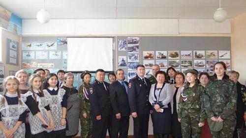 Торжественная церемония вступления в ряды «Юнармии» отряда «Юность МБОУ «Ново-Идинская СОШ»