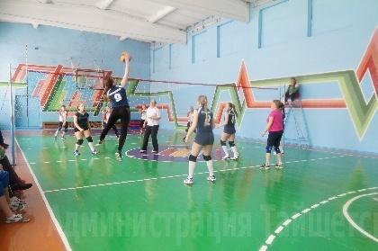 Прошли соревнования по волейболу среди женских команд
