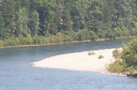 Вода в реке Белая в деревне Тюмень может оказаться опасной для здоровья человека