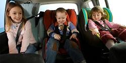 ГИБДД напоминает водителям о необходимости использования детских удерживающих устройств в автомобилях