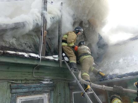 Аномальный мороз провоцирует рост пожаров и гибели в Иркутской области.