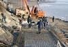 Госэкспертиза проекта дамбы в Октябрьском пройдет в декабре