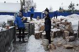 !Колка дров, уборка снега с крыши жительницы р.п. Железнодорожный